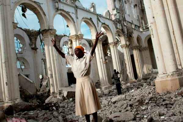 Una iglesia en Haití devastada por sismo